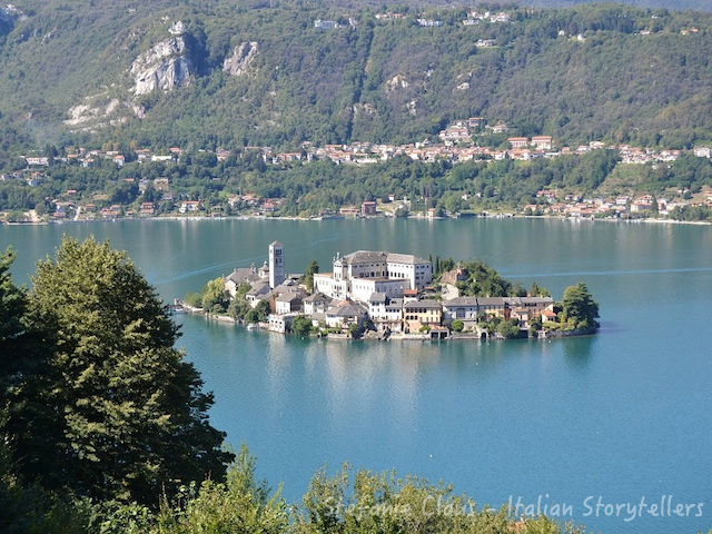 Visiting Piedmont Italy: San Giulio in Orta lake